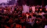 La tradición de Día de Muertos. Día 31 de octubre. Losangelitos.