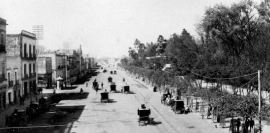 Calzada del Calvario, hoy Av. Juarez. La Ciudad de México en el tiempo