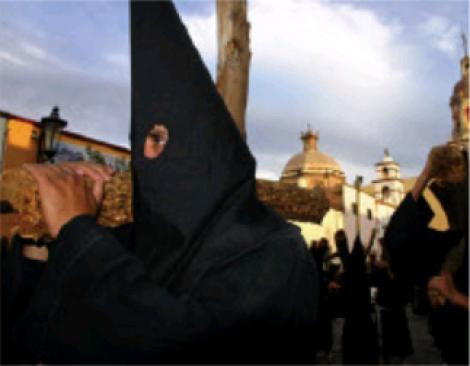 DESDE HACE APROXIMADAMENTE 35 AÑOS, EN SANTIAGO DE QUERÉTARO SE LLEVA A CABO LA PROCESIÓN DEL SILENCIO.