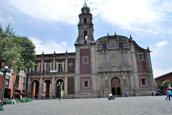 Templo de Santo Domingo de Guzmán. Centro Histórico de la Ciudad de México. Wikipedia.